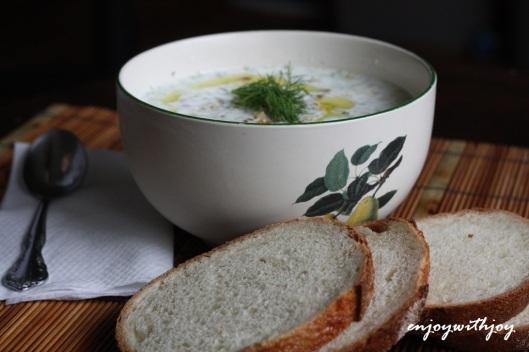 Tarator (Bulgarian Cold Cucumber Soup)