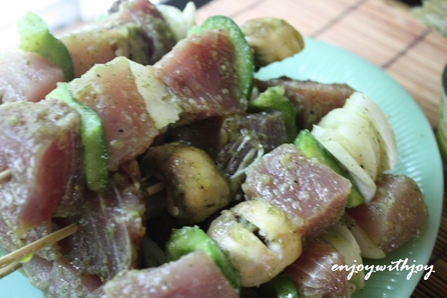 Grilled Tuna with Fruit Kebabs